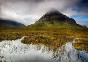 Lochan na Fola and Buachille Etive Beag by crowthius