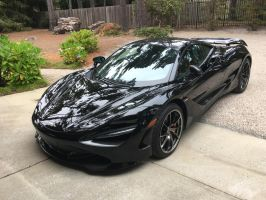 McLaren 720S in black by Partywave