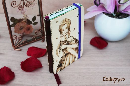 Wooden notebook refiliable by ChibiPyro