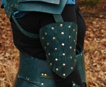 Mooncast Stalker Armor Detail: studded arm guard by BlueOakRogue
