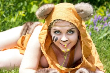 Ewoks and Flowers by Red-Ribbon-Cosplay