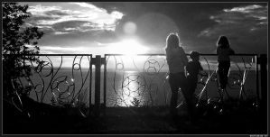Farewell to the Sun BW by spirik