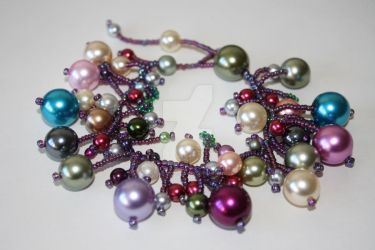 Glass Pearl and Seed Bead Bracelet by WhiteMagicPriestess