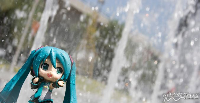 Singing in the fountain by nutcase23