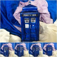 Tardis sculpture  by Cakecatlady