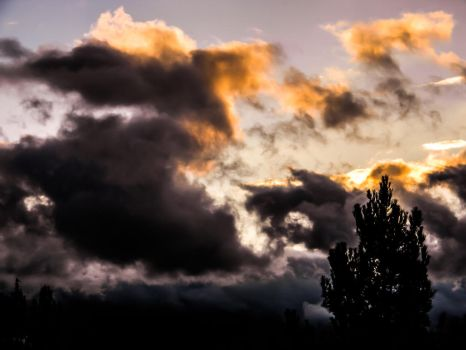 Clouds In Lake Elsinore by CattDontCare