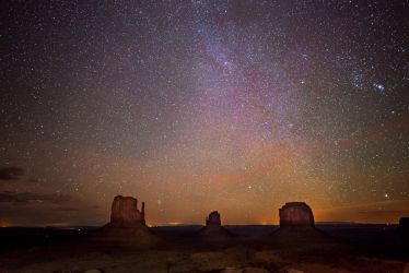 Monument Valley, Milky Way by alierturk
