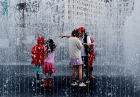 Kids in the Fountain by dpolat