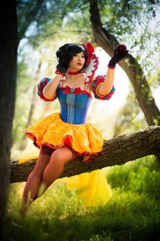 Snow White Cosplay - Moulin Rouge style by yayacosplay