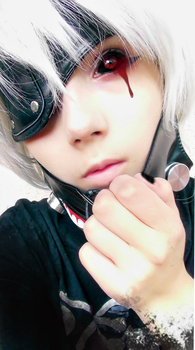 Ken Kaneki Cosplay 1 by betweenmyface