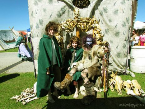 Hobbits and Troll by clockworkcosplay