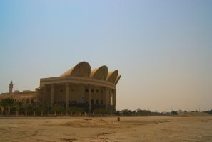 Al Fateh Grand Mosque (from beach) by wafitz