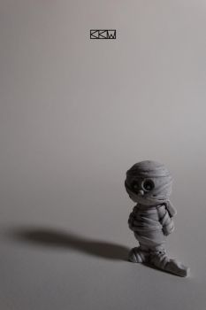 The miniature mummy waits... by Crigger