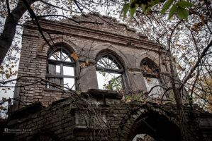 Abandoned 19th century palace - Niewodnica 13 by Urbex-Bialystok