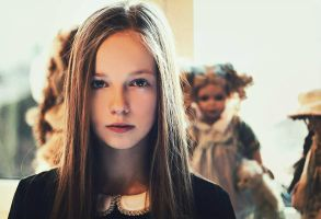doll mansion. by LauraJup