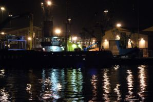 Night Reflections on the Quay by wafitz