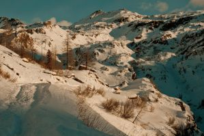Sunset in the Alps by gravisher
