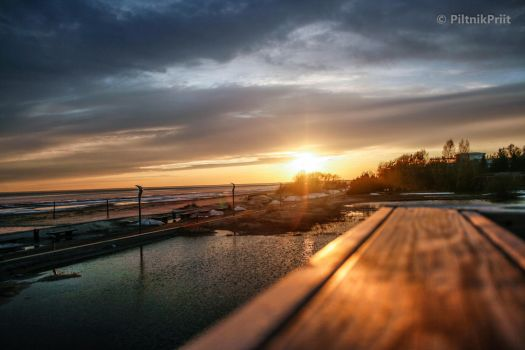 Sunset at the surfhouse by Jammero