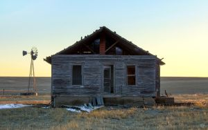 Farmhouse on the Colorado Plains by FabulaPhoto