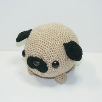 pudgy the pug by Heartstringcrochet