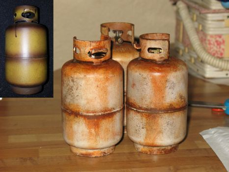 1/6 scale Rusty ass propane tanks by emptysamurai