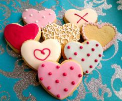 Decorated heart cookies by kathiiscribz