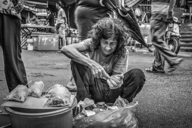Oyster Lady at Chowrasta Market by pharaohz74