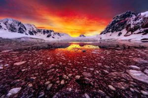 Antarctic Sunrise by paulmp