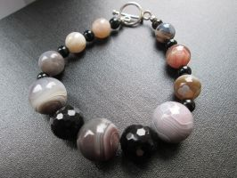 Botswana agate, onyx and black agate bracelet by Cre8tivedesignz