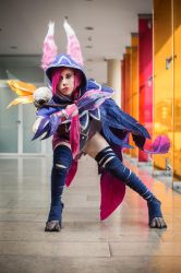 xayah at sofa2 by MokaTorota