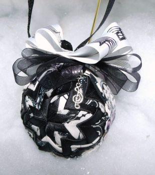 Face The Music handmade quilted ornament by Chrissie1370