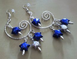blue and silver paper star wire wrapping earrings by syn-O-nyms