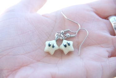 Super Mario Inspired Kawaii Star Earrings by IvrinielsArtNCosplay