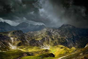 Cloudy Mountains II by mutrus
