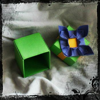 Origami box: Lillac by nefer-et