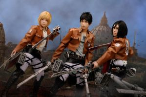 Attack on Titan: Best Friends by Junez-chan