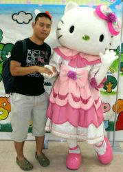 Hello Kitty (costume 7) and me by yellowmocha