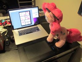 Showing Pinkie my project by Template93