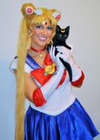 Sailor Moon Cosplay by PiixXxiiE