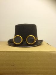 Unrestricted steampunk costume hat and gloggles by sfishffrog