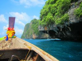 Approach to Ko Phi Phi Lee by emshore
