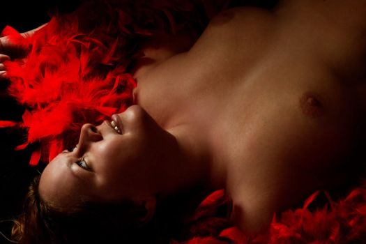 Red Feathers by Gildir
