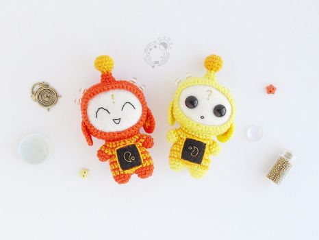 Twins, the Space Travellers by theAmigurumer