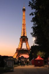 One night in Paris by spawn00000
