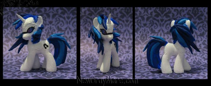 Vinyl Scratch by NewGrayMare