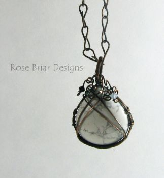 Howlite pendant by My-Timeout