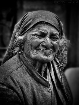 a woman at sarahan bnw by fotuzlab