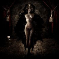 Severed Queen by M-A-C-A-C-O