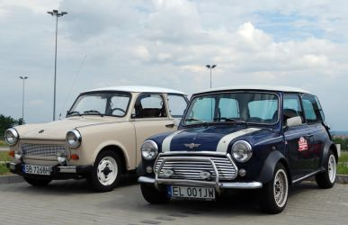 Trabi and Mini by quapouchy-moto