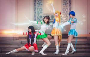 Sailor Planet Attack! by LoveSenshi